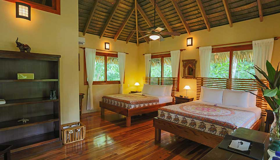 Copa de Arbol Eco Lodge room