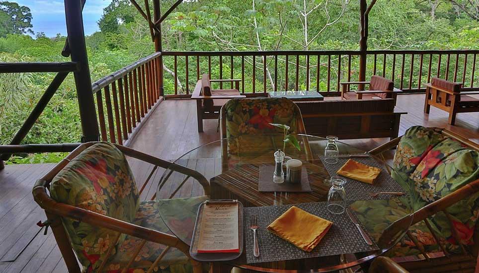 El Remanso Lodge veranda