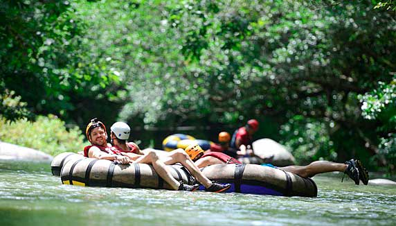 river rafting whilst on a Costa Rica holiday