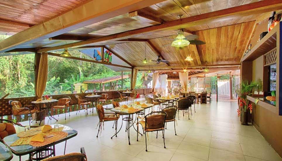 La Quinta dining area
