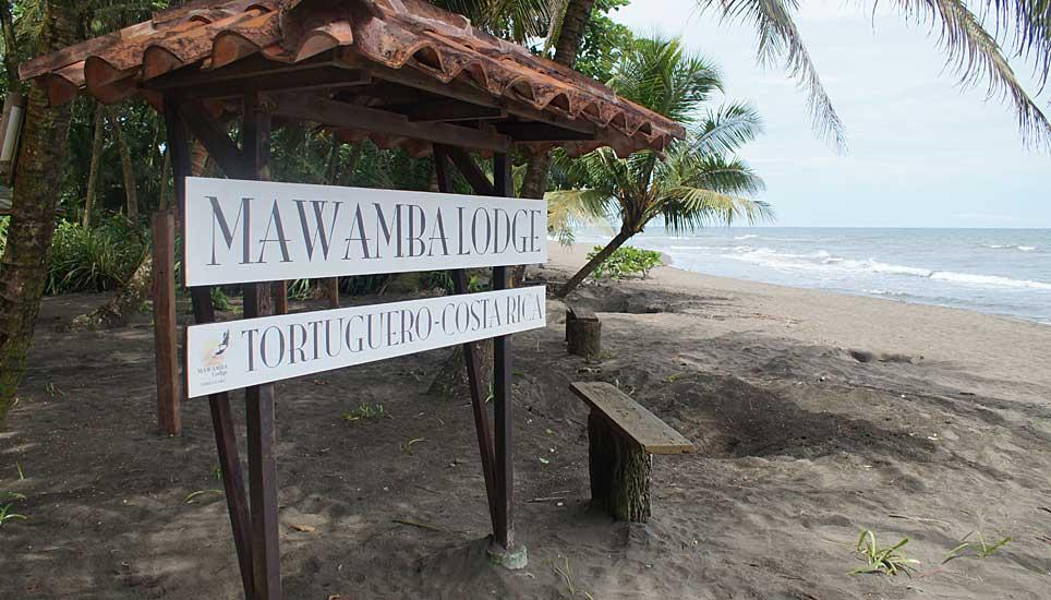Mawamba Lodge beach