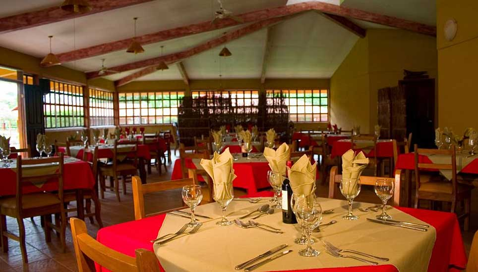 Natural Lodge dining room