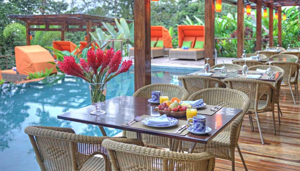 Nayara Springs pool & breakfast