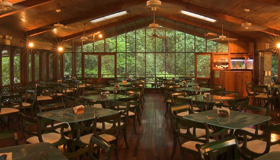 Selva Verde Lodge dining room