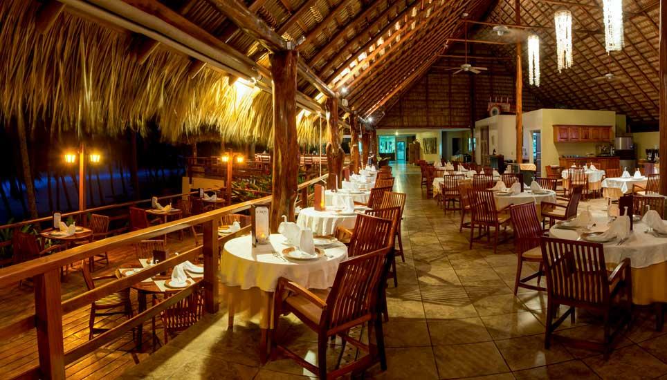 Tango Mar dining area