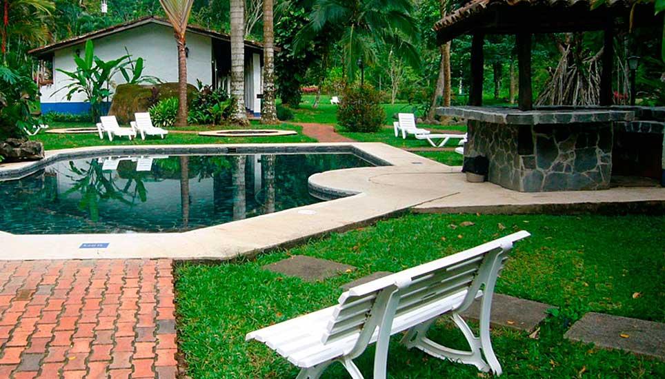 Villa Lapas pool area