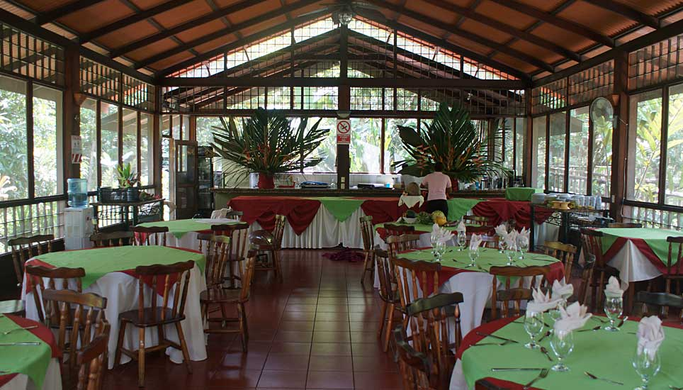evergreen lodge dining room