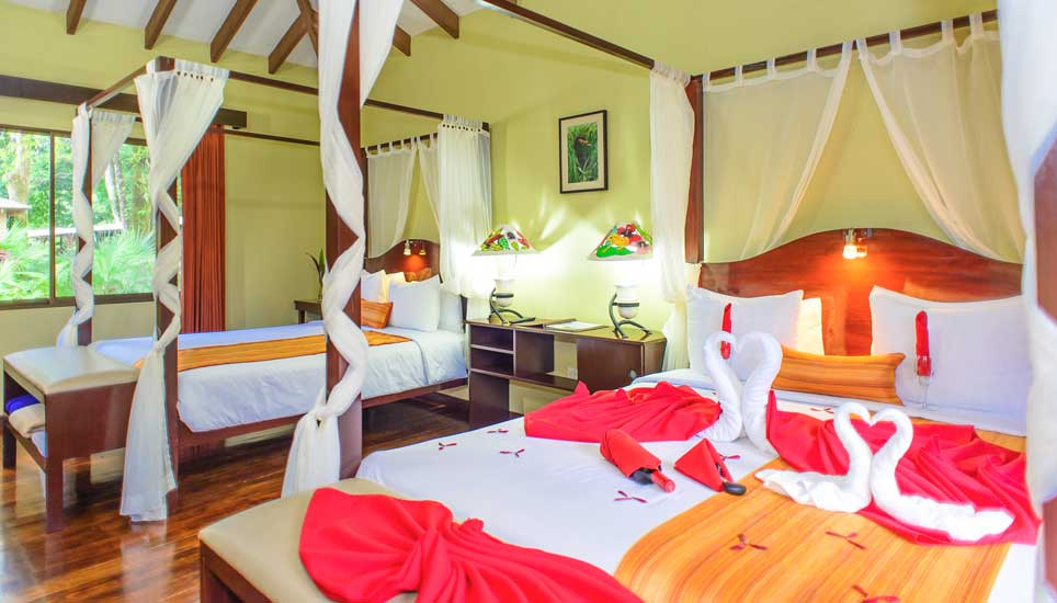 Manatus hotel room