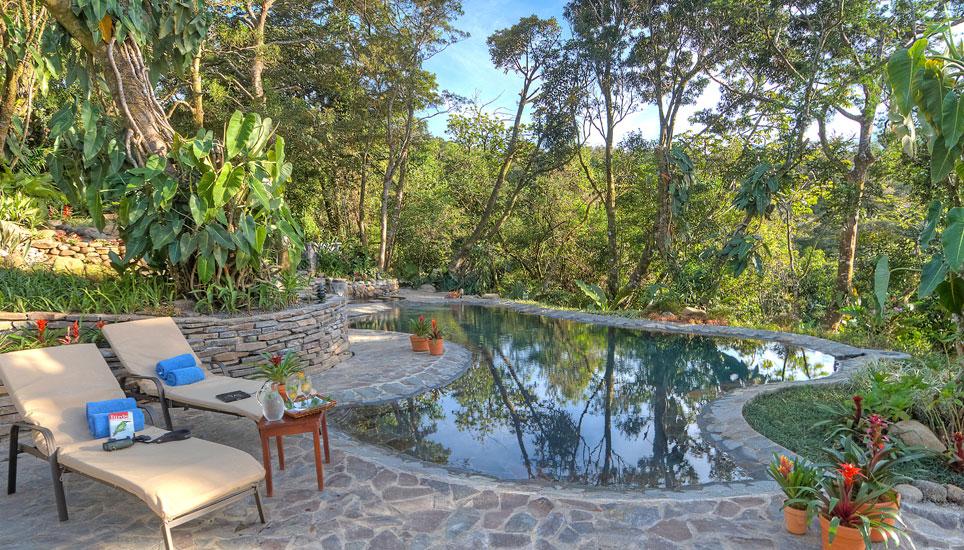 Lomas del Volcán pool