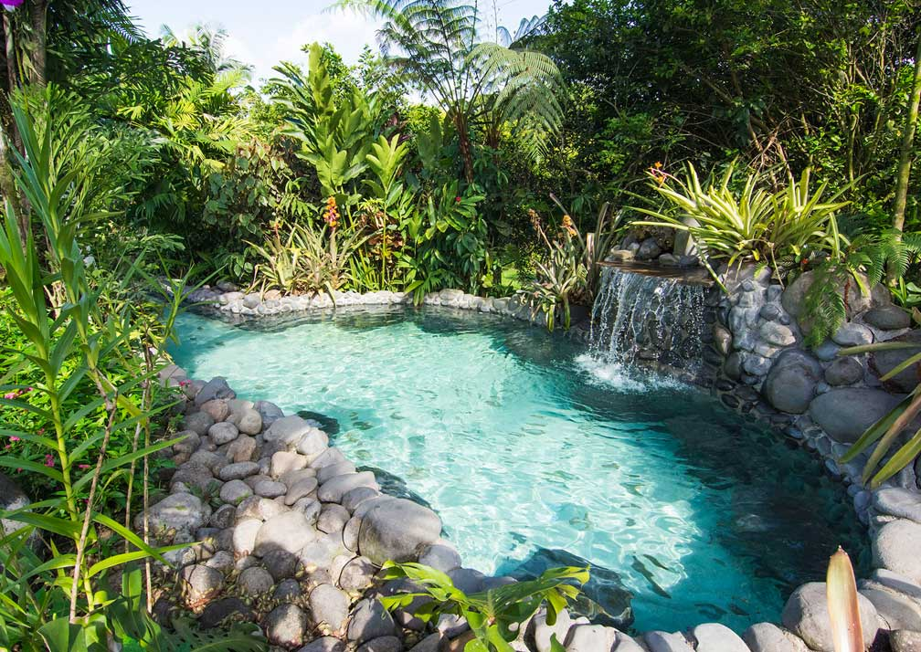 arenal springs pool