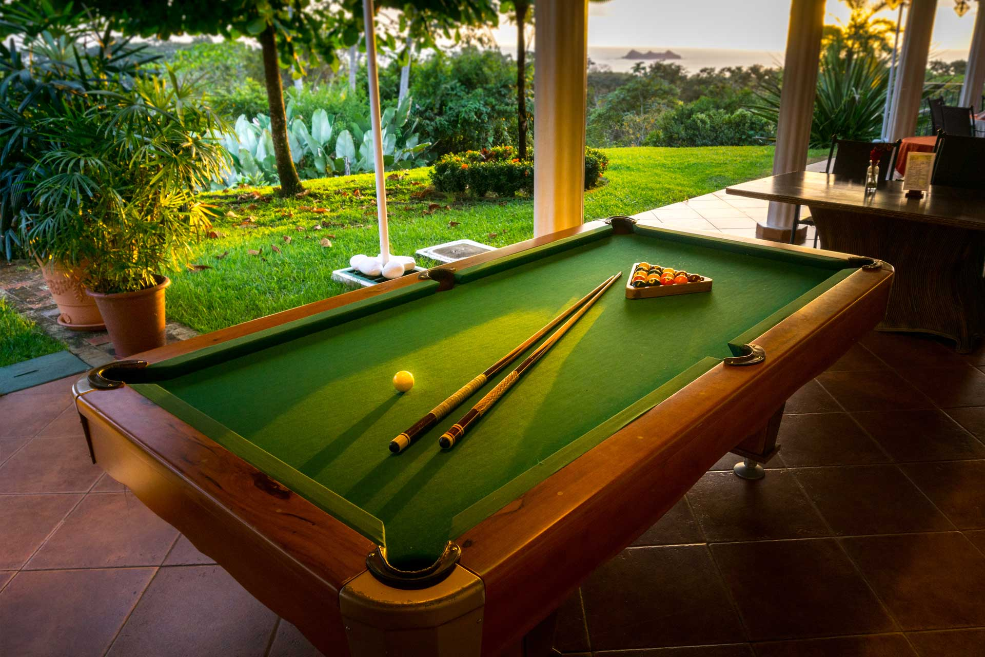 CB pool table
