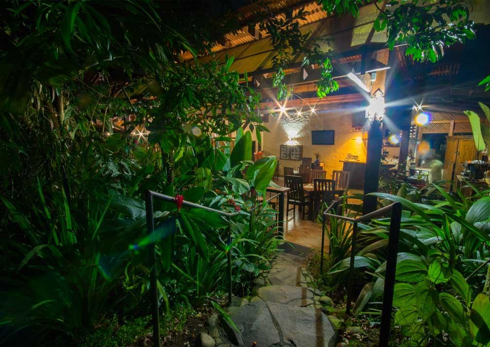 casa luna dining area