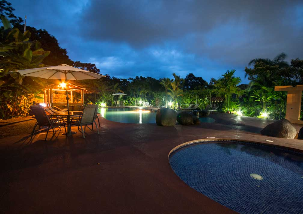casa luna pool