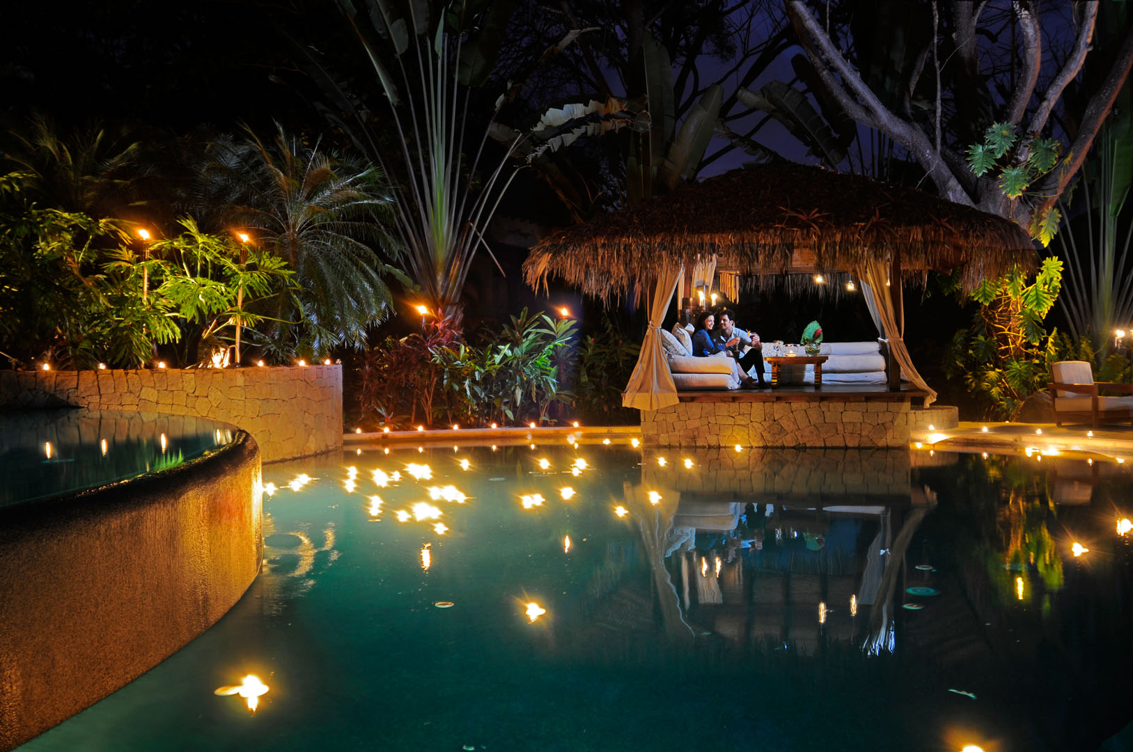 pool-relaxation-florblanca-costa-rica
